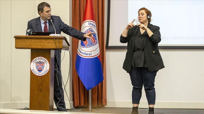 Akademisyenler 'medyada engelsiz erişimde kaliteli çeviri' için toplandı