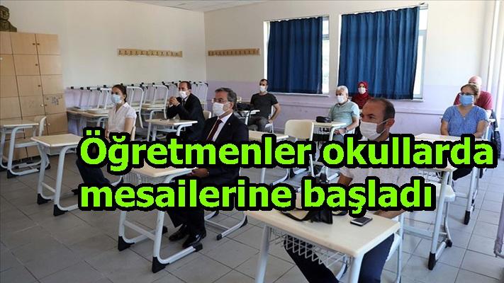 Öğretmenler okullarda mesailerine başladı