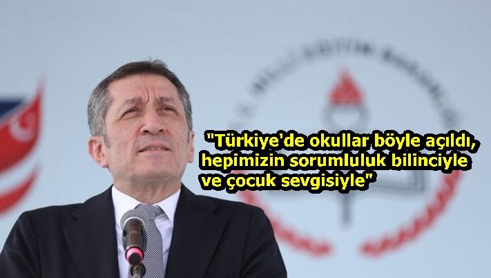 """""""Türkiye'de okullar böyle açıldı, hepimizin sorumluluk bilinciyle ve çocuk sevgisiyle"""""""