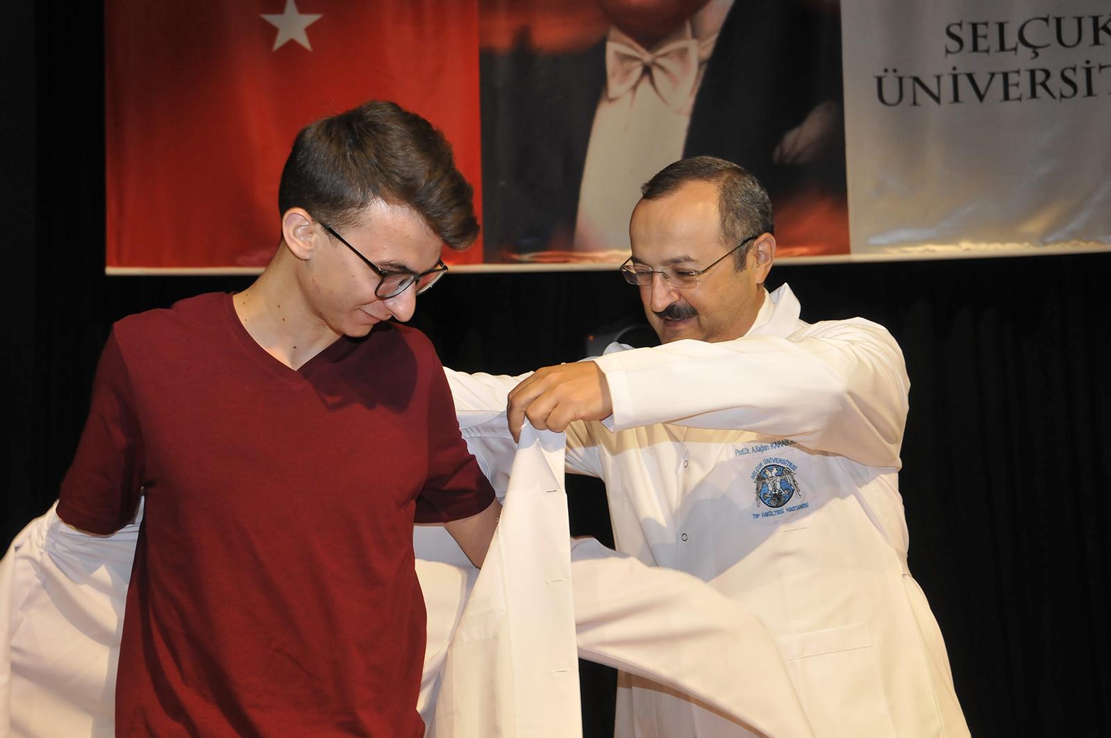 Selçuk Tıp Öğrencilerinin Beyaz Önlük Heyecanı