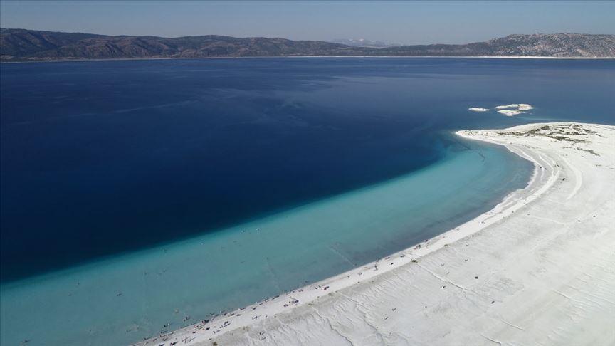 Salda Gölü'ndeki ziyaretçi sayısı 800 binin üzerine çıktı