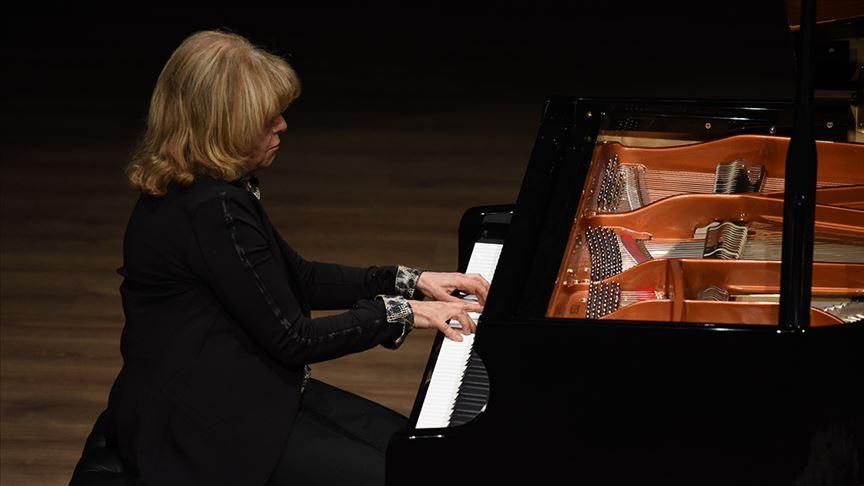 Piyanist İdil Biret Milli Mücadele'nin 100. yılı için çalacak