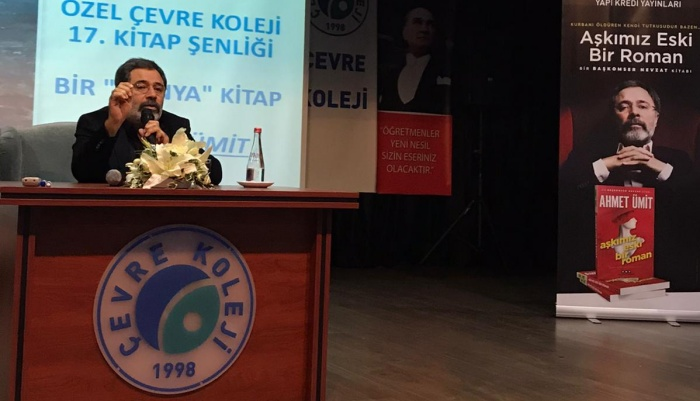 8. Sınıf öğrencileri dünyaca ünlü polisiye yazarı Ahmet Ümit'i heyecanlandırdı!