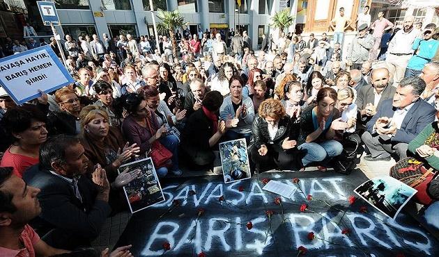 Ankara'daki saldırı iş bırakma eylemleriyle protesto ediliyor