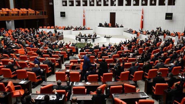 Meclis'te kayıp çocuklar için araştırma önergesi verildi