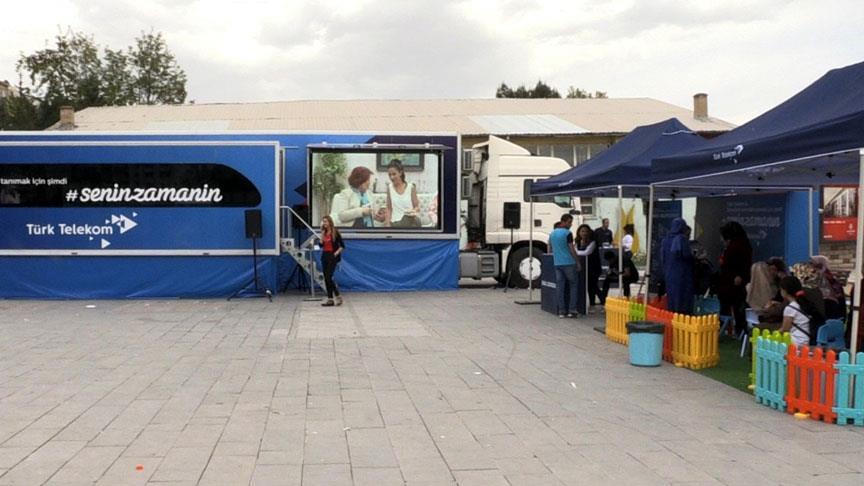 Gezici teknoloji eğitim tırı Elazığ'da