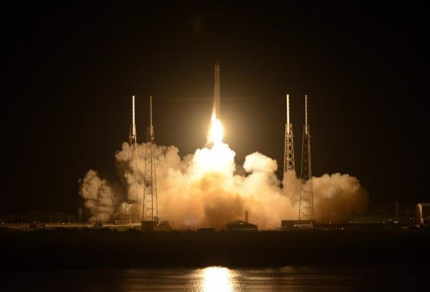 """""""Falcon 9"""" roketi fırlatıldı"""