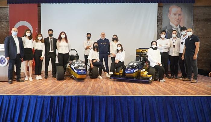 """YTÜ Racing Takımı """"Formula Student"""" için 10 yılda6 yarış aracı üretti"""