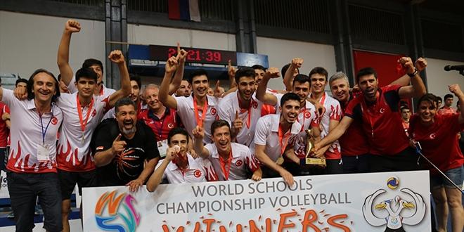 Türk lisesi, dünya voleybol şampiyonu oldu