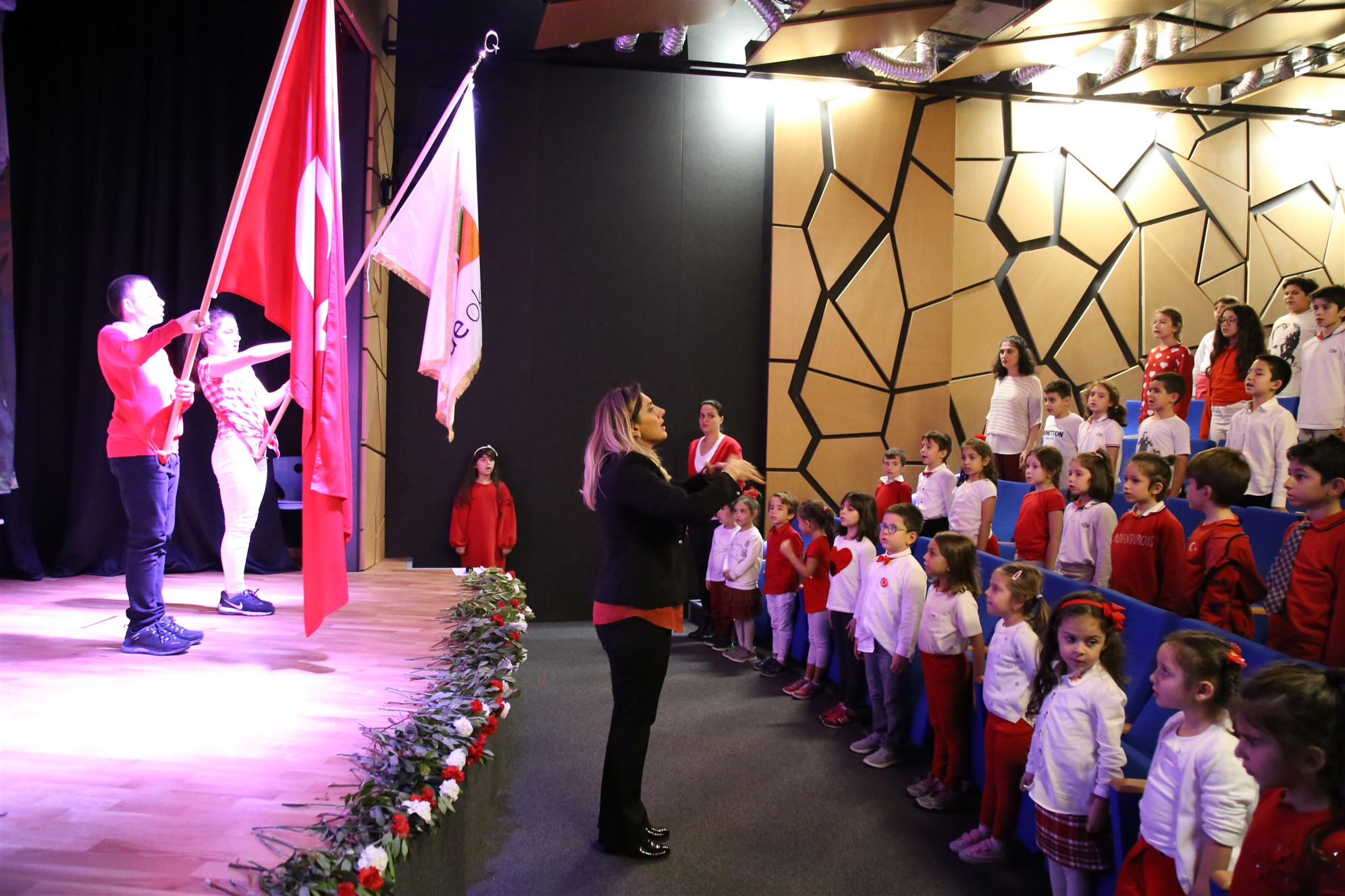 ide'liler, 29 Ekim Cumhuriyet Bayramını Coşkuyla Kutladı