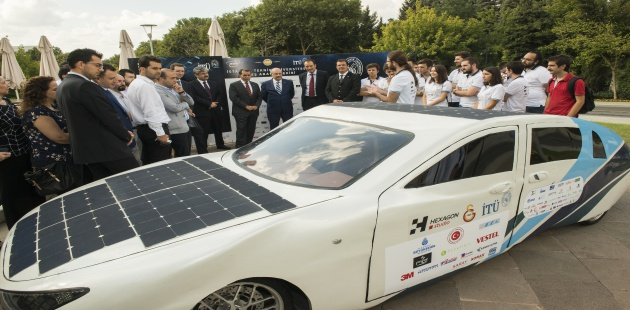 İTÜ Ailesi'nin ürettiği, güneş enerjisiyle çalışan ilk aile arabası görücüye çıktı…