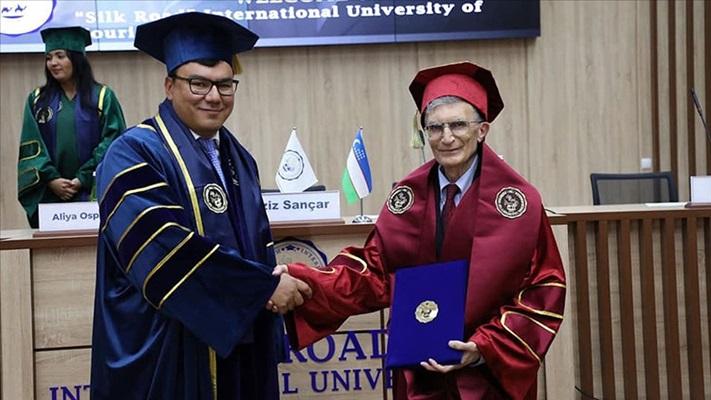 Aziz Sancar'a Özbekistan'da fahri doktora unvanı verildi