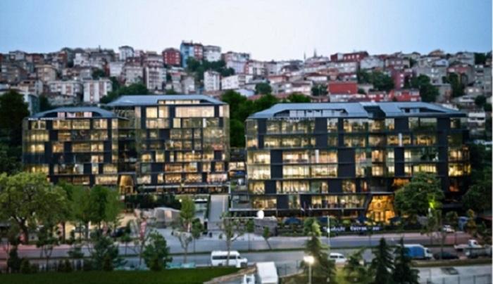 """Haliç Üniversitesi, """"Haliç-X"""" Uygulamasıyla Online Eğitime Devam Ediyor"""