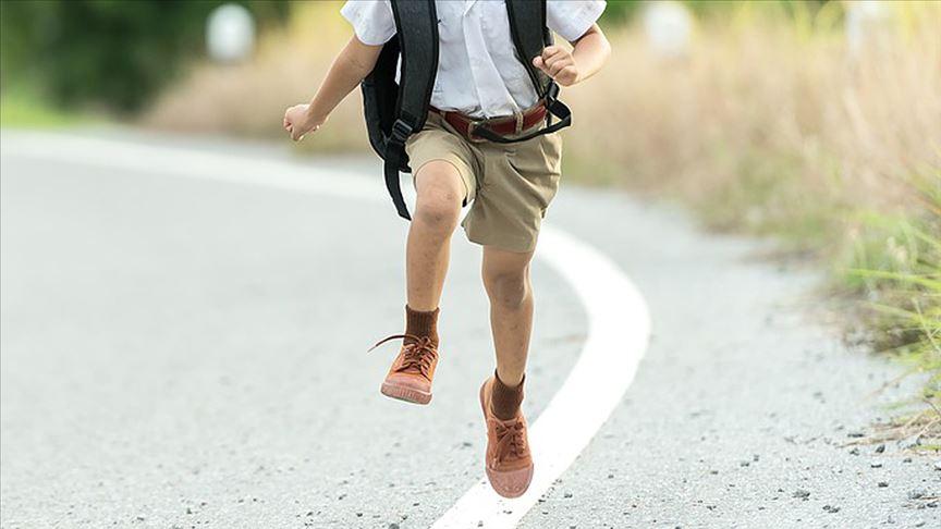 Çocuk için doğru ayakkabı seçimi ayak sağlığını koruyor