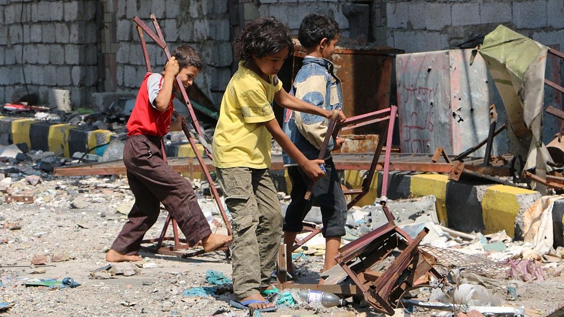 Yemen'de 1,2 milyon çocuk çatışma bölgelerinde yaşıyor