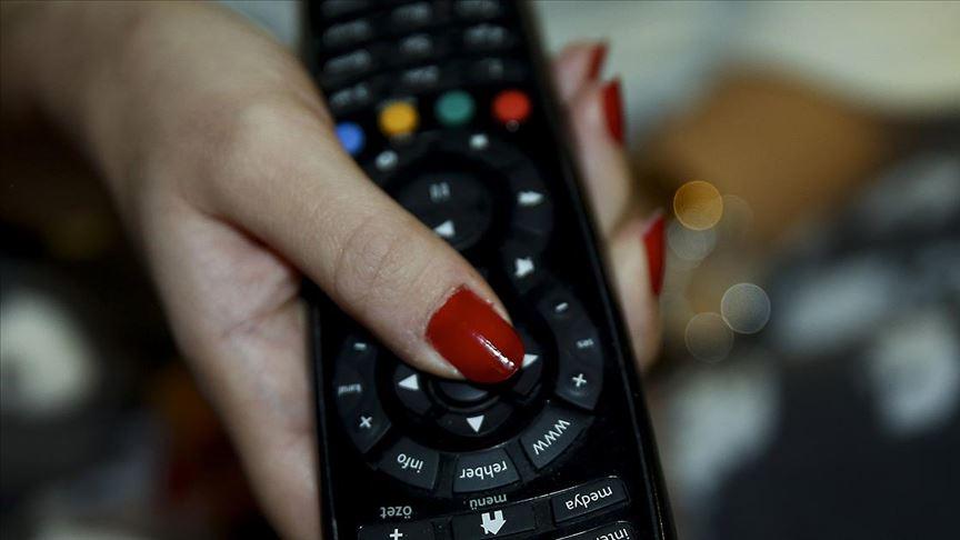 Televizyon karşısında oturmak, oturarak çalışmaktan riskli