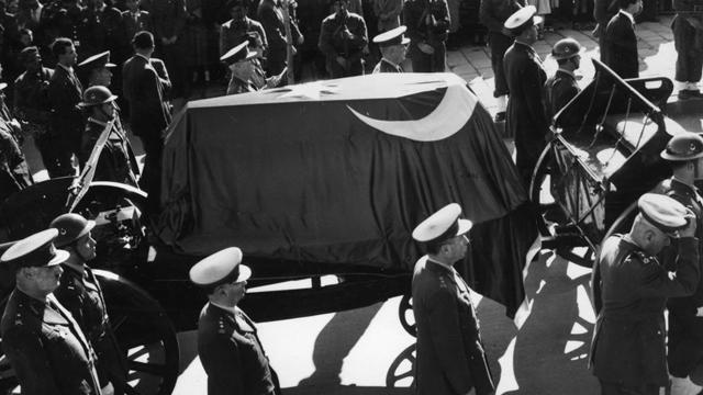 Atatürk'ün Anıtkabir'e Nakil Filmi Yayınlandı