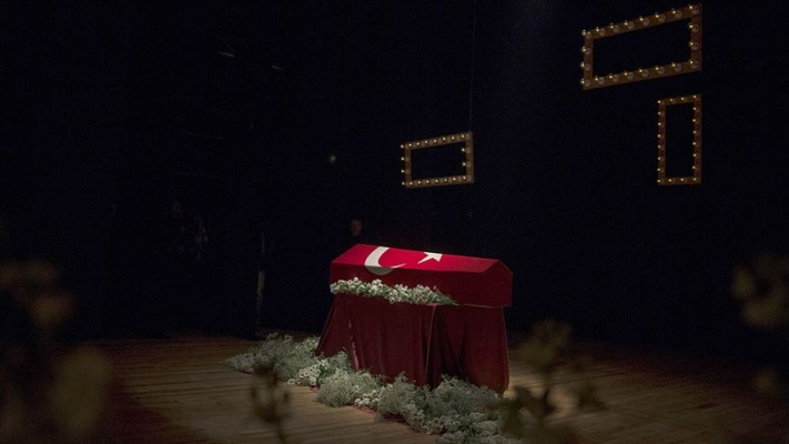 Usta oyuncu Yıldız Kenter için Kenter Tiyatrosunda tören