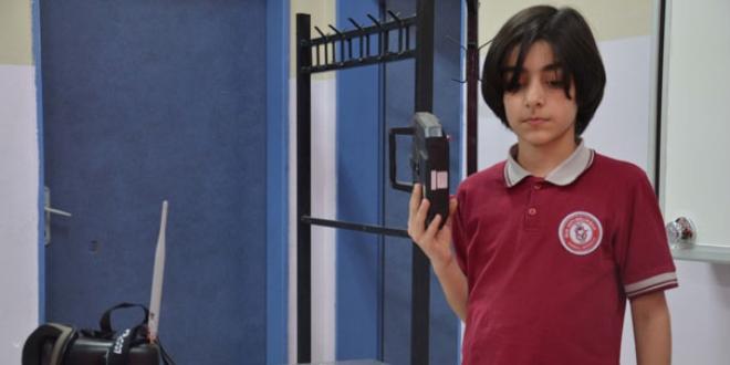 12 yaşında 'bomba bulan drone' tasarladı