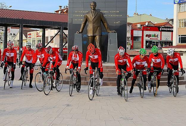 Sarıkamış Şehitleri İçin Bisiklet Turu