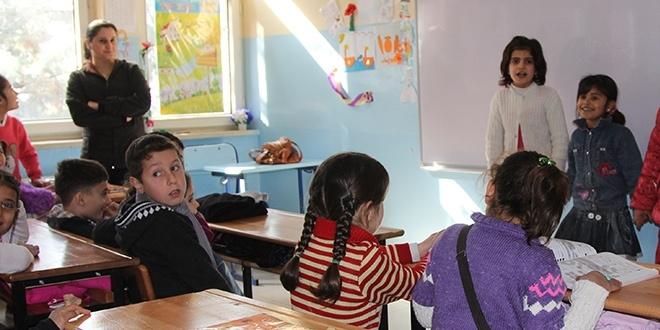 MEB, mülteciler için, 3 branşta öğretmen alımı yapacak!