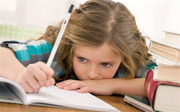 """""""Ödev İşkencesine Dur Denilmeli"""""""